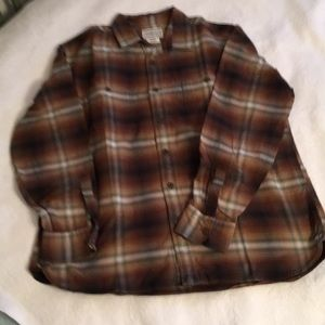 Men's tightly woven flannel shirt